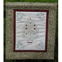 Christmas Stitchery Wall Hanging by Zoe Clifton Sewing Buddies Australia