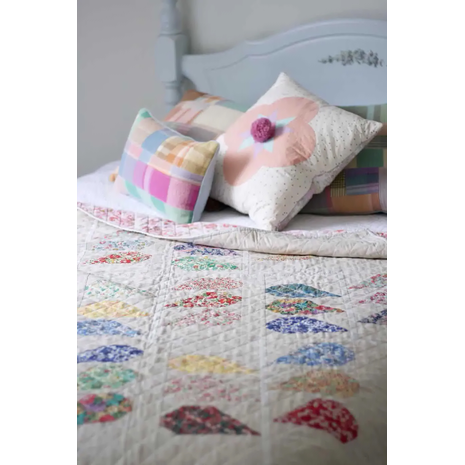 Espalier Quilt Pattern by Wife Made Designs 3 Sewing Buddies Australia
